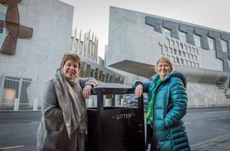 Cllr Lesley Hinds and Environment Secretary Roseanna Cunningham beside 'smart bin'