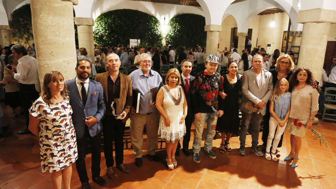 Foto de la entrega de premios Juan de la Plata al Círculo Flamenco de Madrid, con Carlos Marín Ballester