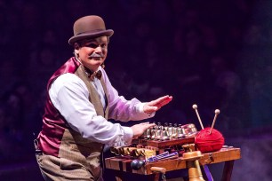 Musical act : Gregory Bellini - Circus Dictionary