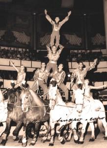 Les Caroli - acrobates à cheval