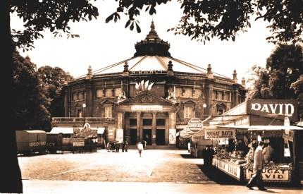 Amiens : Napoléon Rancy au fronton du cirque
