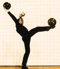 Francis Brunn, le Nijinsky de la jonglerie