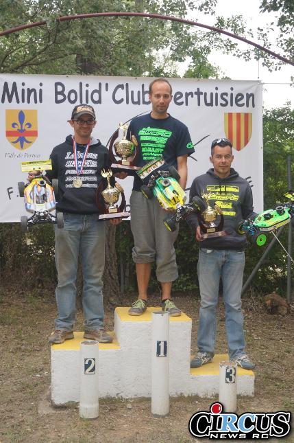 podium 4x2 pertuis