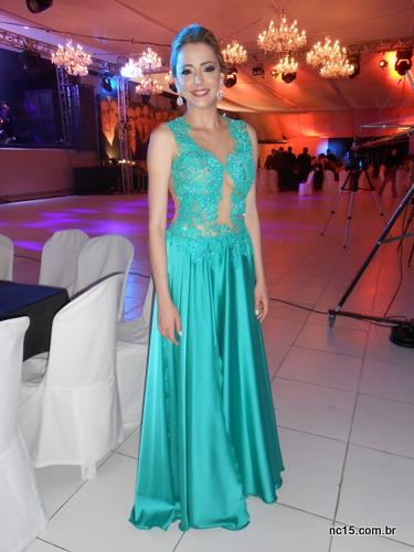 Para começar, a formanda Lina, linda! Radiante na sua noite especial