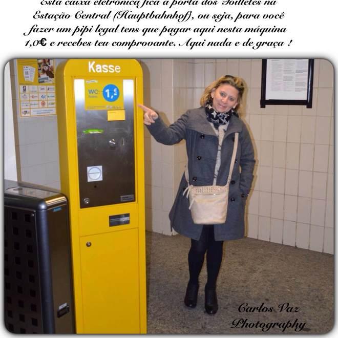 caixa eletrônico para poder usar o banheiro  na estação central
