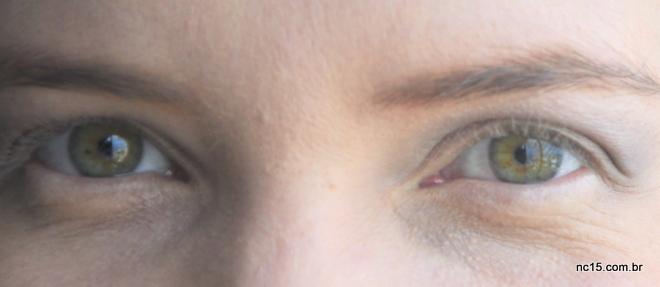 Olhos sem máscara. Cílios fininhos e loirinhos...