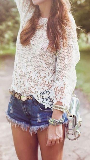 Shorts com blusa branca