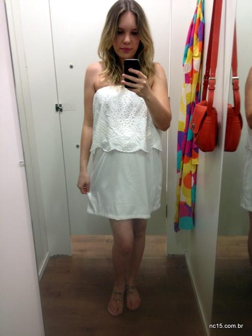 Vestido branco tomara de caia