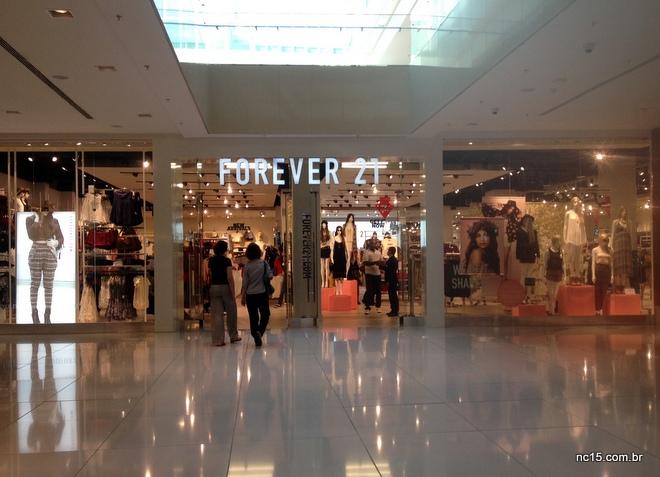 Fachada da loja da Forever 21 no Barra Shopping no Rio de Janeiro