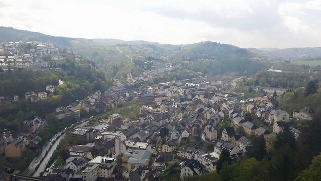 Visão do alto da cidade de Idar-Oberstein na Alemanha