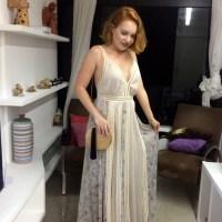 Meu look com vestido longo estampado e bolsinha em madeira
