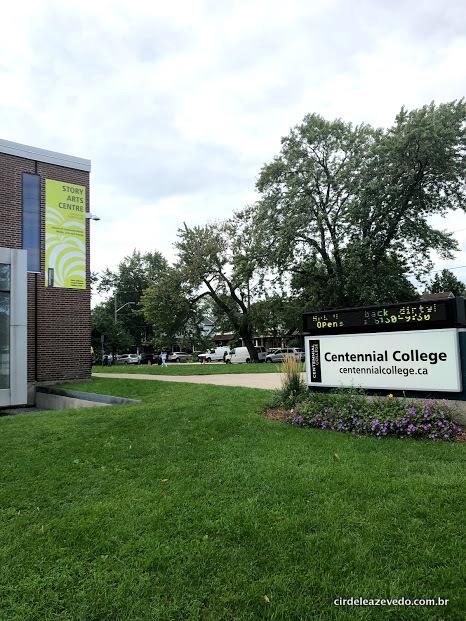 Fachada do meu campus no Centennial College de Toronto