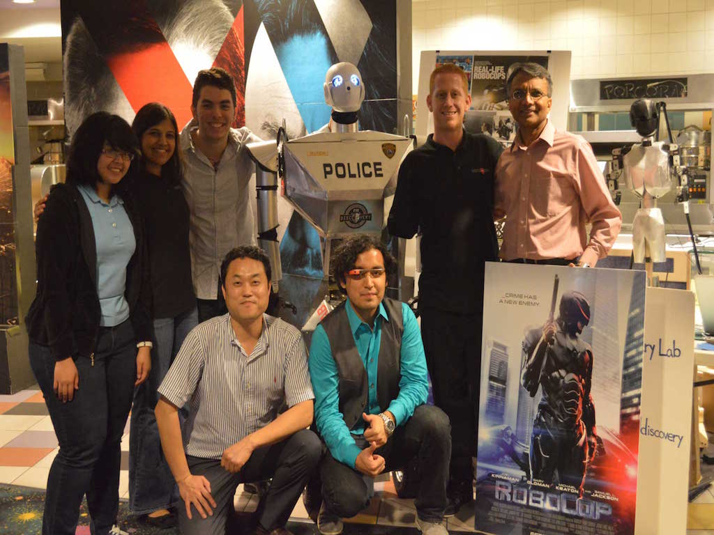 discovery lab robocop group photo