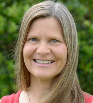 Photo of Bonnie J. Dorr
