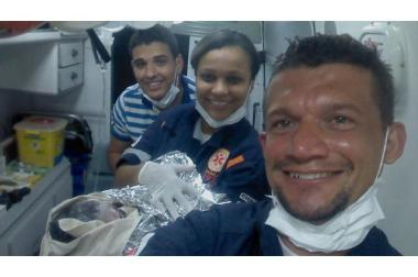 Bebê nasce dentro de ambulância do SAMU