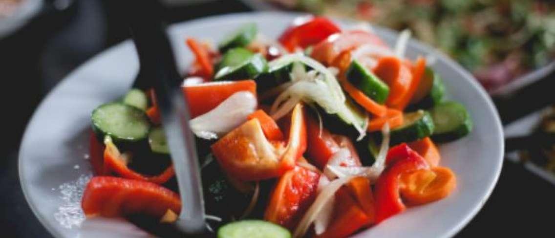 5 Nutrisi Penting yang Tidak Bisa Didapatkan dari Buah dan Sayuran