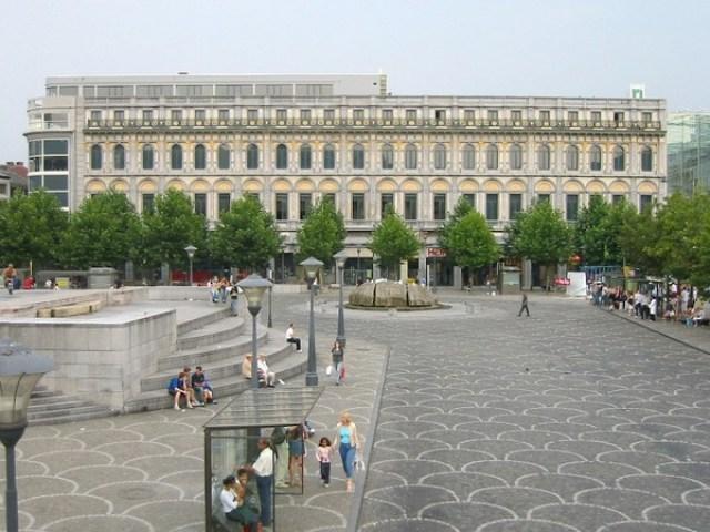Площад Свети Ламбер