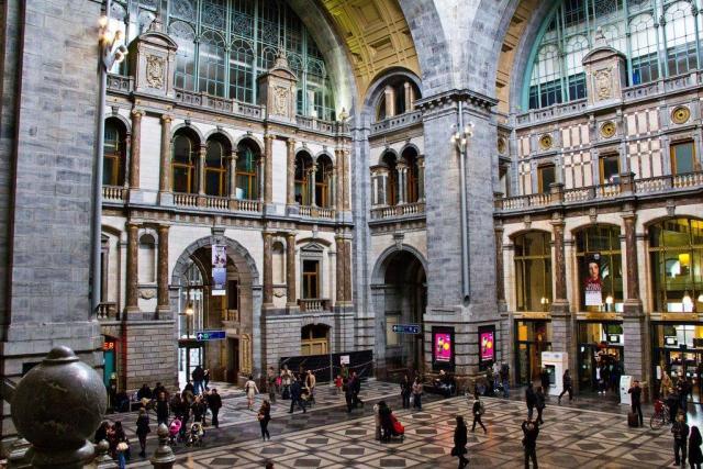 Централната гара на Антверпен