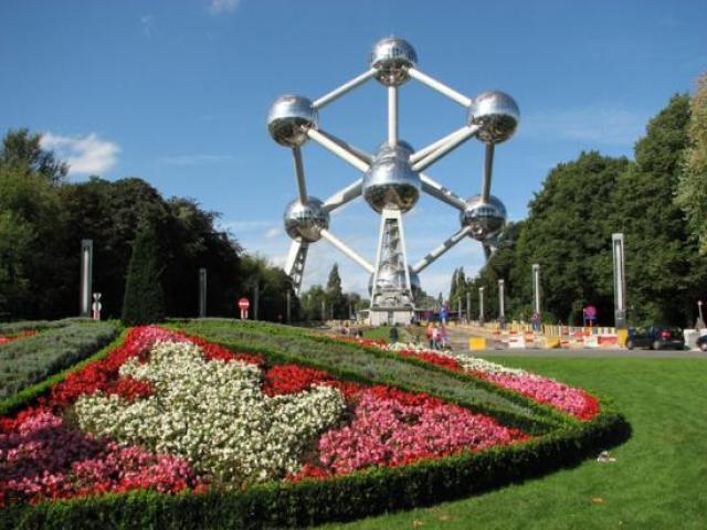 Брюксел