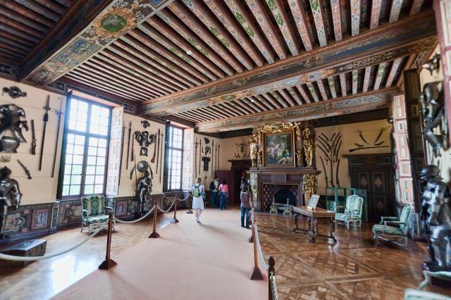 Замъкът Шеверни