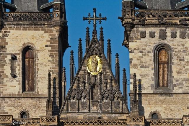 """Църквата """"Дева Мария пред Тин"""""""