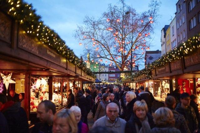 Коледният базар в Кьолн