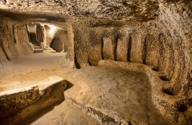 Подземните градове Деринкую и Каймаклъ