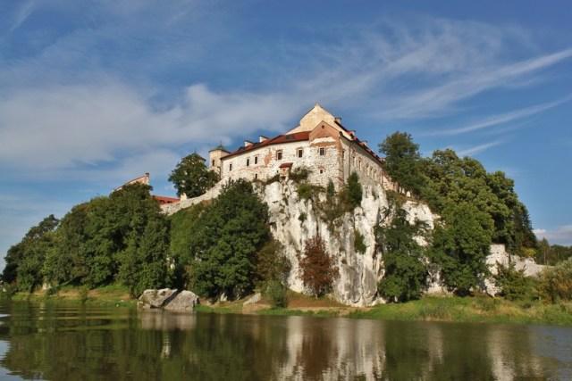 Бенедиктинското абатство в Тинец