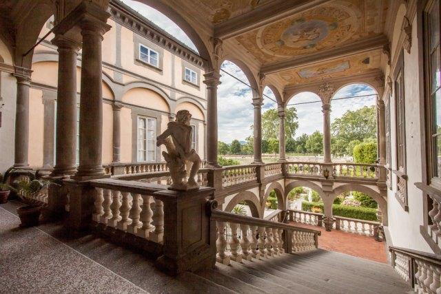 Дворецът Пфанер