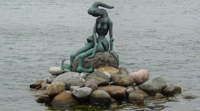 Статуята на малката русалка
