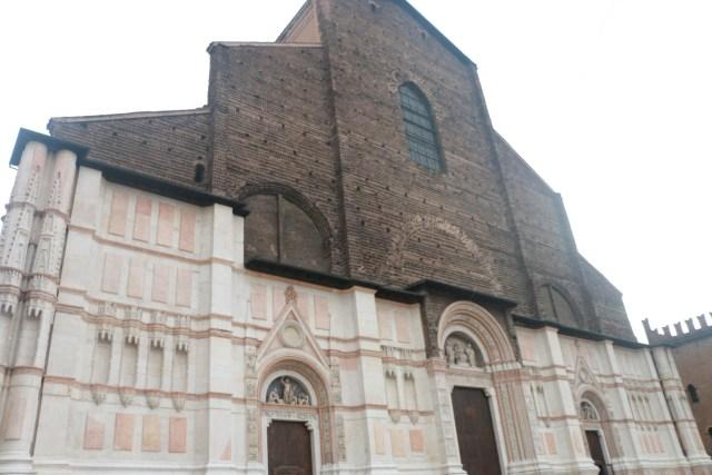 Базиликата Сан Петронио