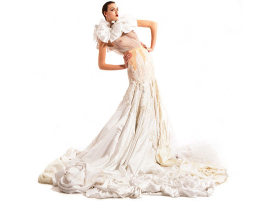 11 Offbeat Wedding Dresses To Spice Up Your Eco Friendly Nuptials Cbk Citizen Brooklyn