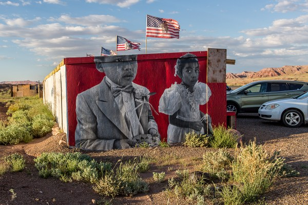 Chip's works are large. They are meant to stop you. And these stops have the potential to turn into additional income to roadside vendors. Up to ninety percent of the native peoples in South West USA depend on crafts as their primary or secondary income source. Photo © Maria Jain