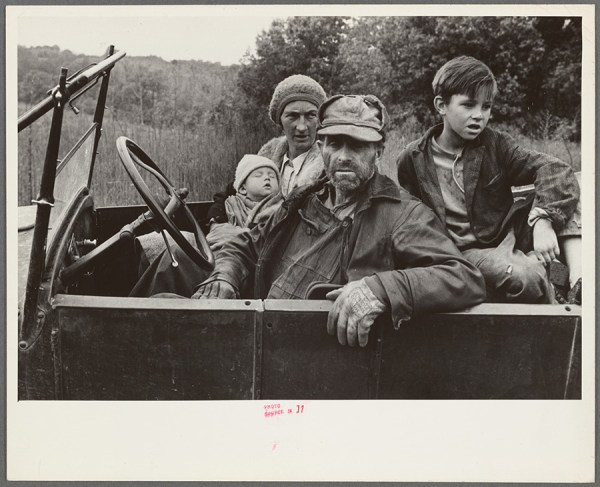 Ben Shahn - A destitute family, Ozark Mountains area, [Arkansas] – 1935 http://digitalcollections.nypl.org/items/629acaf0-fc0c-0132-ee40-58d385a7b928