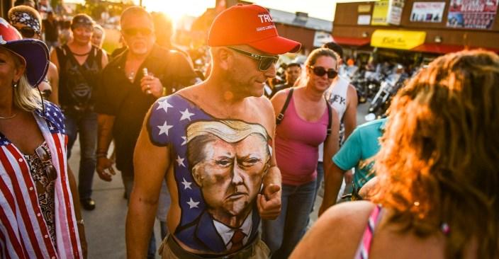 Trump shuts down Paula Reid — Crowd goes wild!