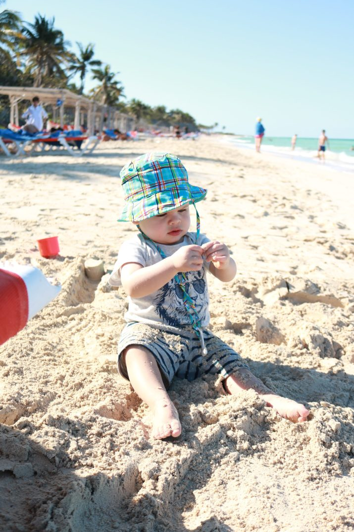 travelling to Cuba with toddler, at the beach hat