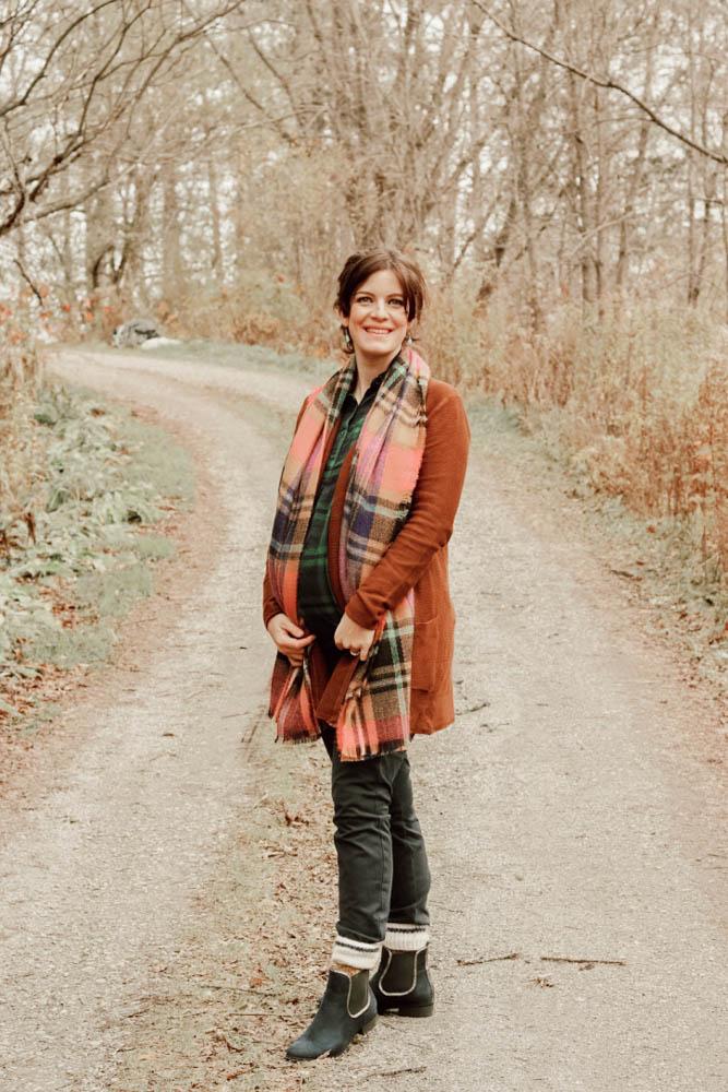 winter style, plaid on plaid trend, plaid scarf, plaid shirt, pregnant style,