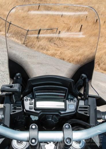 VFR1200X dash and windscreen. Photo: Angelica Rubalcaba.