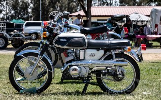 Yamaha YAS1 C at the 2018 Hanford Vintage Motorcycle Rally and Swap Meet.