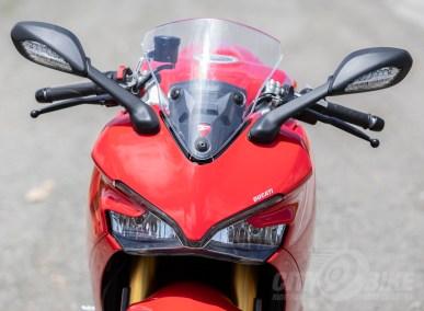 Ducati SuperSport S adjustable windscreen in down position.