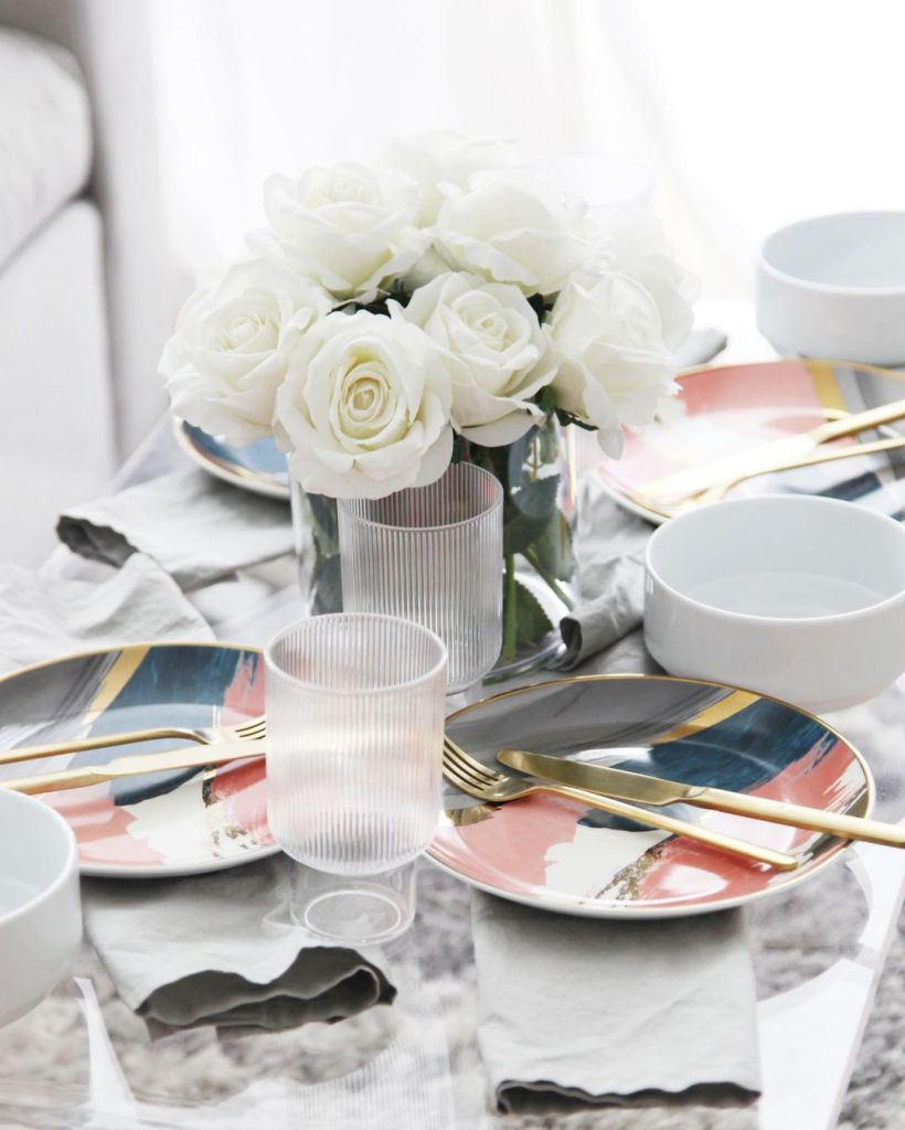 Tips for Hosting a Party in a Small Space