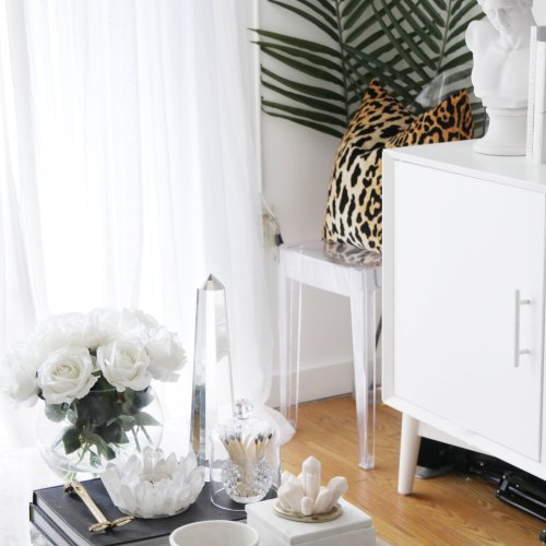 The Fail-Proof Formula for Styling Your Coffee Table