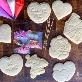 Valentine's Day DIY Cookie Decorating Kit