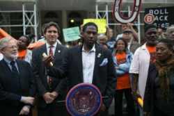 Councilmembers Jumaane Williams (center) and Ben Kallos (left) at a rally for rent reform. Image credit: William Alatriste/NYC Council