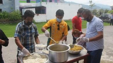 Photo of लकडाउनमा आश्रय ग्रुपले गर्यो नि:शुल्क खाना वितरण