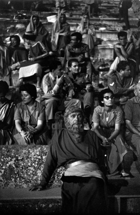 """Epidaurus. 1961. Theater festival. Interval during the play """"Medea"""" (Maria CALLAS in the main role). Costumes designed by the Greek painter TSAROUCHIS."""