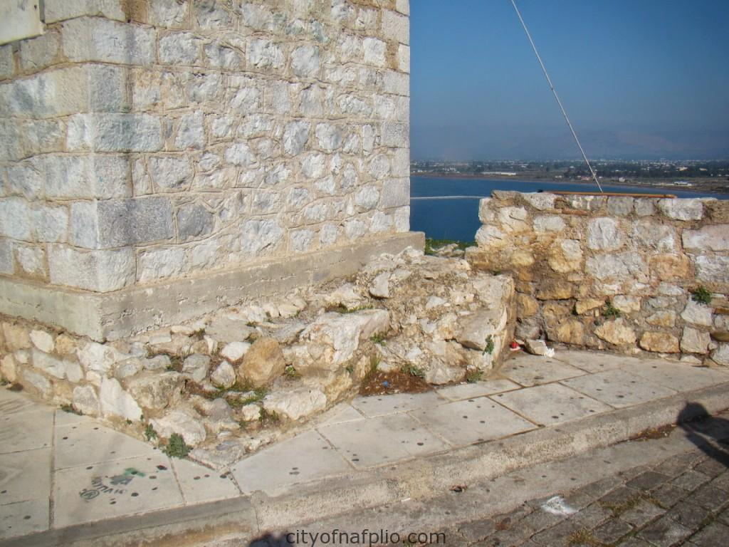 End of Frankish cross-wall at bell tower