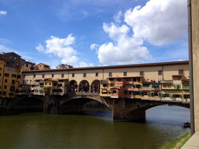Ponte Vecchio -image via Trover by Giuljana Umlauf