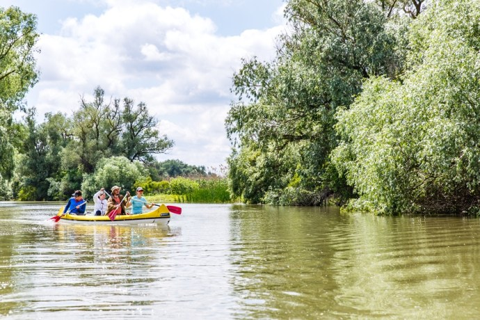 Canoeing in the Danube Delta - Photo by Ocskay Bence