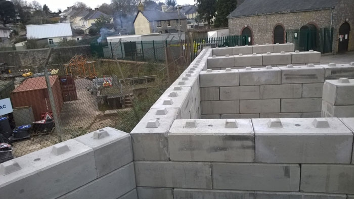 bespoke wall system using concrete blocks
